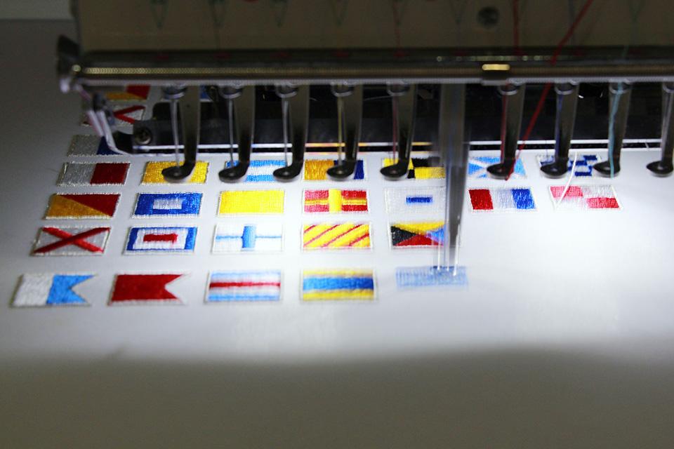 刺繍ラペルピンが発売になりました!(馬車道)